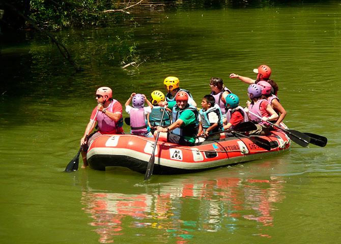 Visita al Batán y paseo en balsa por el río